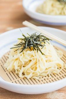 Fideos de soba estilo de comida japonesa