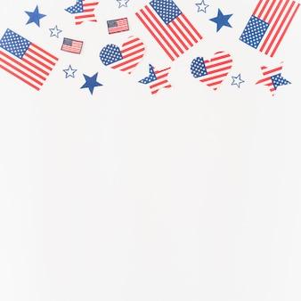 Figuras de papel en colores de bandera americana.