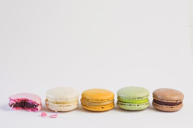 Fila macarons colores pastel
