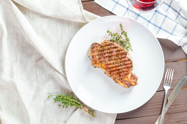 Filete de carne a la parrilla