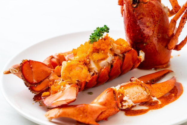 Filete de cola de langosta con salsa