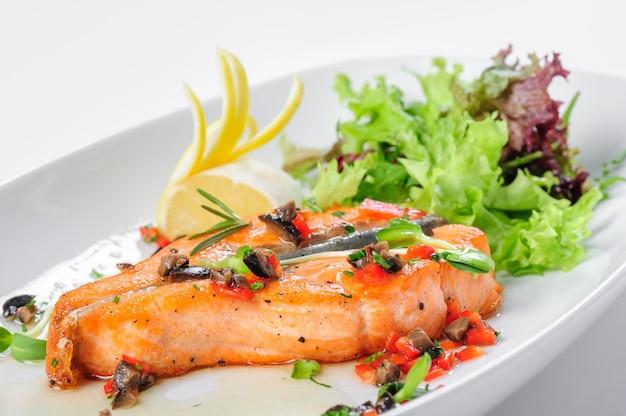 Filete de salmón asado
