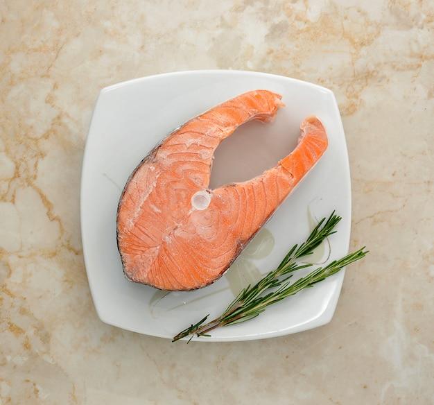 Filete de salmón congelado
