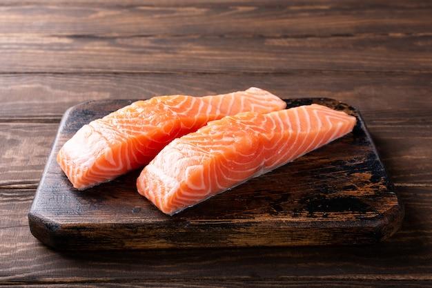 Filete de salmón crudo fresco, plano lay
