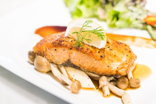 Filete de salmón a la parrilla