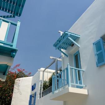 Filtro de vacaciones callejón balcón clara