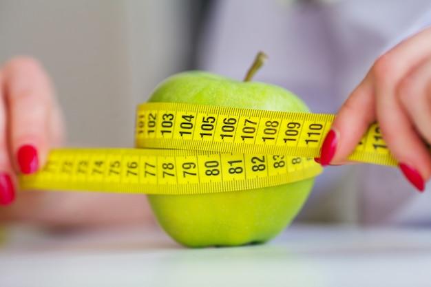 Fitness y concepto de dieta de alimentos saludables.