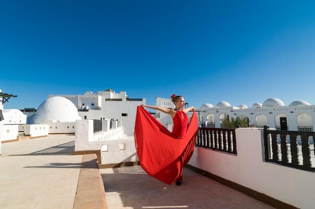 Flamenco bailarina en rojo