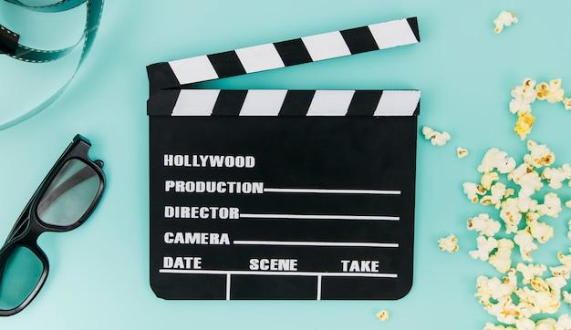 Flat lay de claqueta para concepto de cine