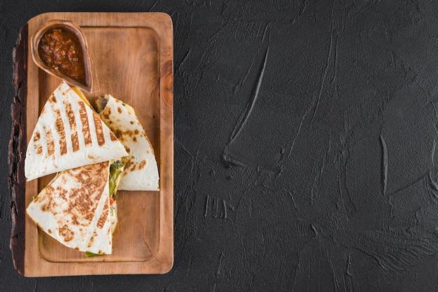 Flat lay de comida mejicana con copyspace