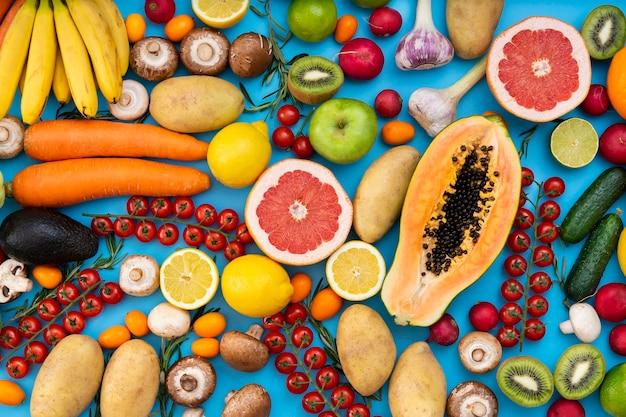 Flat lay surtido de alimentos saludables