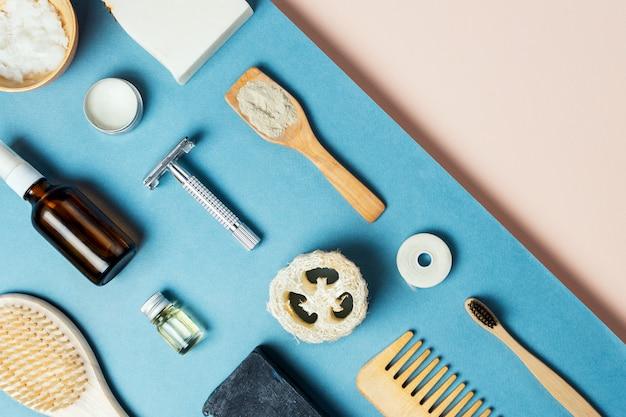 Flatlay de varios productos ecológicos para el cuidado de la piel y el cuerpo sin desperdicios, enfoque selectivo