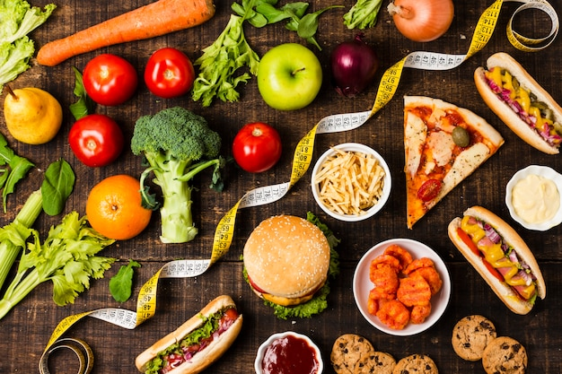 Flay lay de comida rápida y verduras