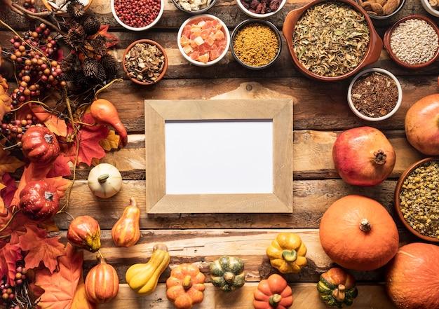 Flay pone la maqueta de marco de comida de otoño
