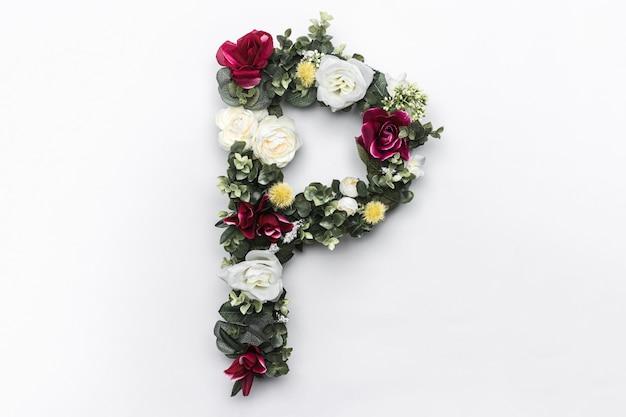 Flor de la letra p floral monograma foto gratis
