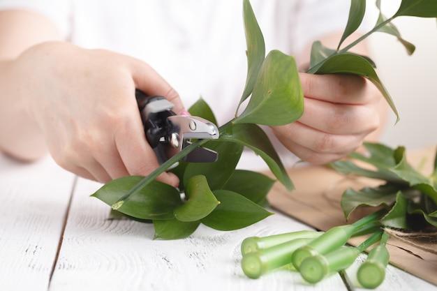 Floreria en el trabajo, cómo hacer arreglos florales para el día de los abuelos.