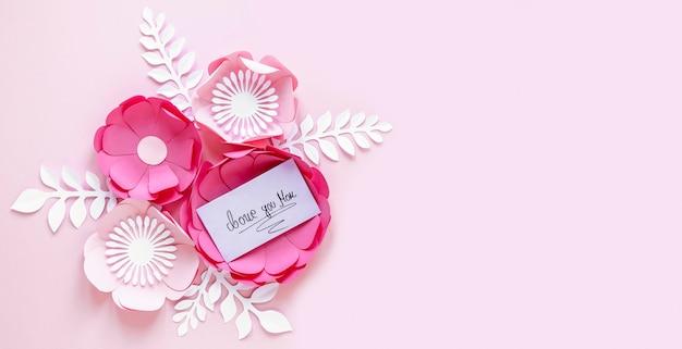 Flores de papel para el día de la madre con espacio de copia.