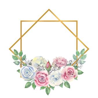 Flores rosas azules y rosas, hojas verdes, bayas en un marco en forma de diamante dorado