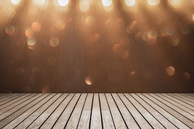 Foco selectivo de la mesa de madera delante de luces de cadena interiores decorativas.