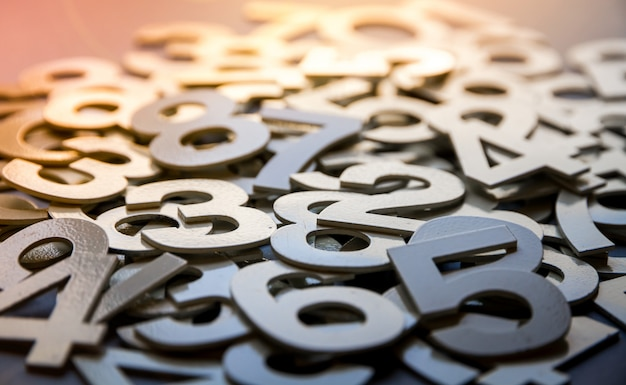 Fondo abstracto de matemáticas hecho con números sólidos