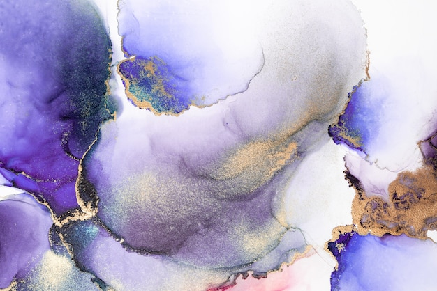 Fondo abstracto de oro púrpura de pintura de arte de tinta líquida de mármol sobre papel.