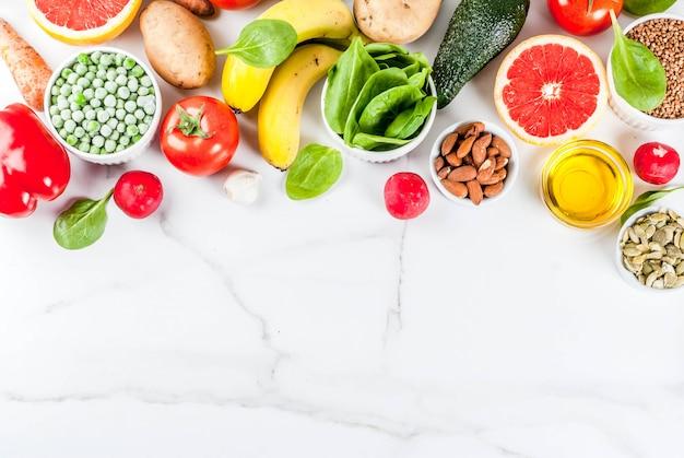 Fondo de alimentos saludables, productos de dieta alcalina de moda