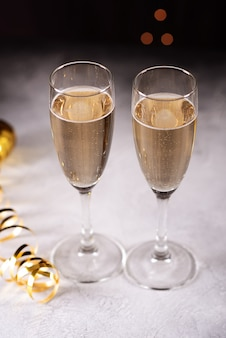 Fondo de celebración de fin de año con champagne