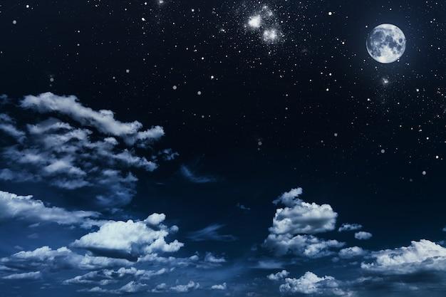 Fondo cielo nocturno con estrellas y luna.