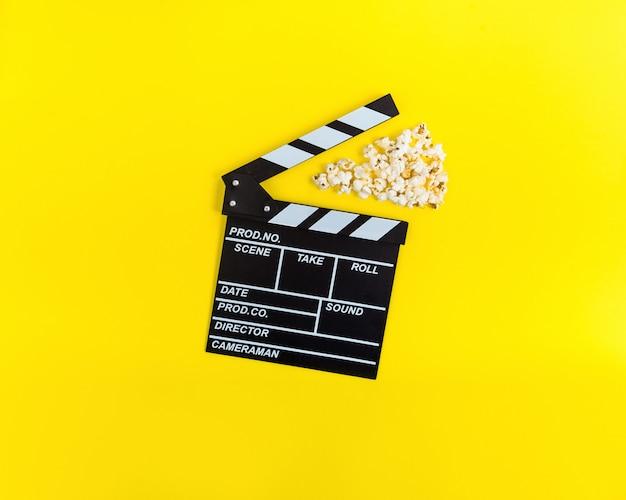 Fondo de cine. viendo la pelicula