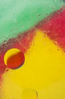 Fondo colorido con burbuja en el agua