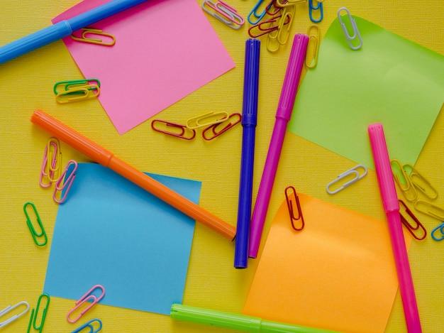 Fondo colorido de la escuela.