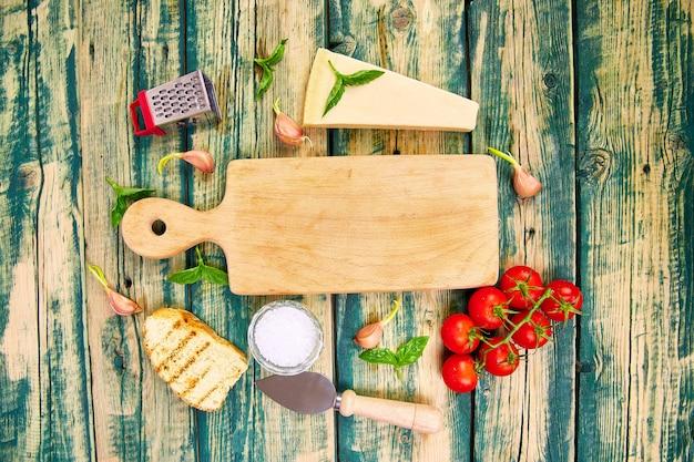 Fondo de comida italiana listo para cocinar marco de alimentos
