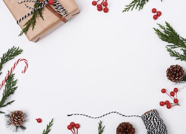Fondo de composición navideña con decoraciones