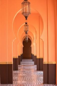 Fondo de corredor de estilo morrocco árabe arena naranja