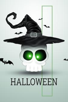 Fondo creativo de halloween. inscripción halloween y el cráneo en un sombrero de bruja sobre un fondo claro.