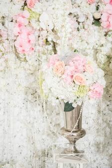 Fondo de la boda con la decoración de la boda y la flor