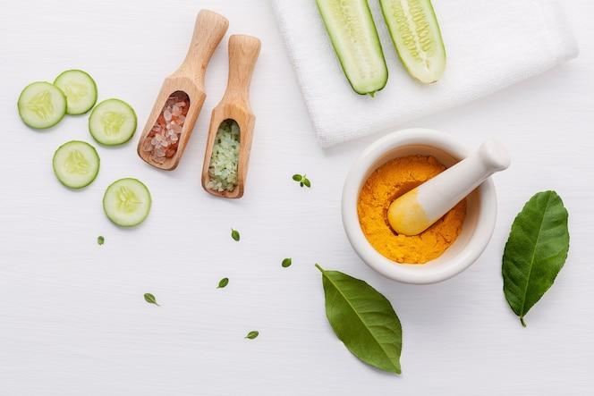 Fondo de la preparación del tratamiento facial de los productos naturales del cuidado de piel de la piel.