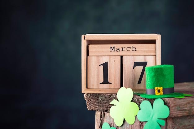 Fondo del día de san patricio con calendario