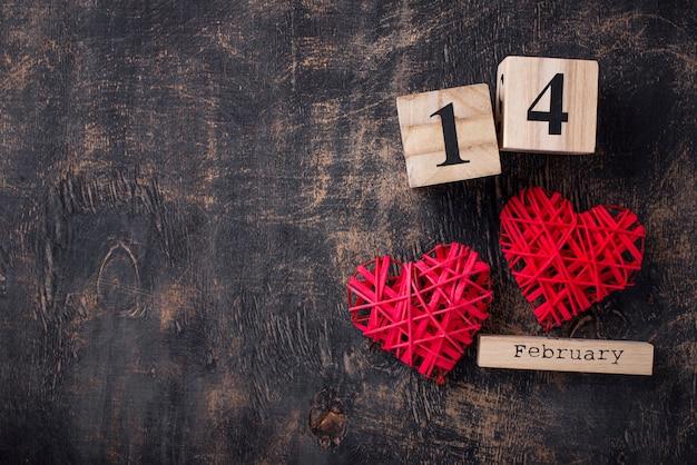Fondo del día de san valentín con corazones rojos