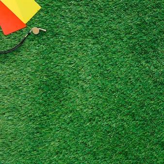 Fondo de fútbol con tarjetas y copyspace