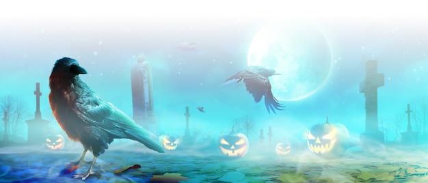 Fondo de halloween con cuervo en una noche espeluznante.