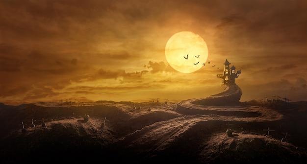 Fondo de halloween a través de la tumba del camino estirado al castillo fantasmagórico en la noche de luna llena