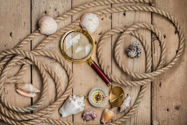 Fondo de madera con decoración náutica