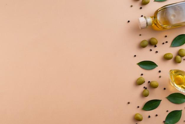 Fondo de marco de aceite de oliva con espacio de copia