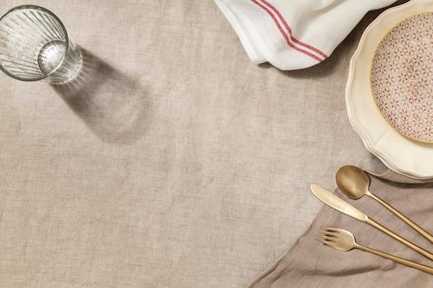 Fondo de mesa de cena vacía