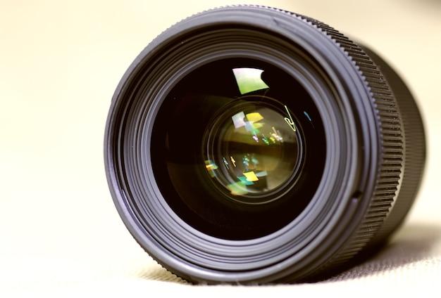 Fondo monocromático entonado del objeto de destello de lente
