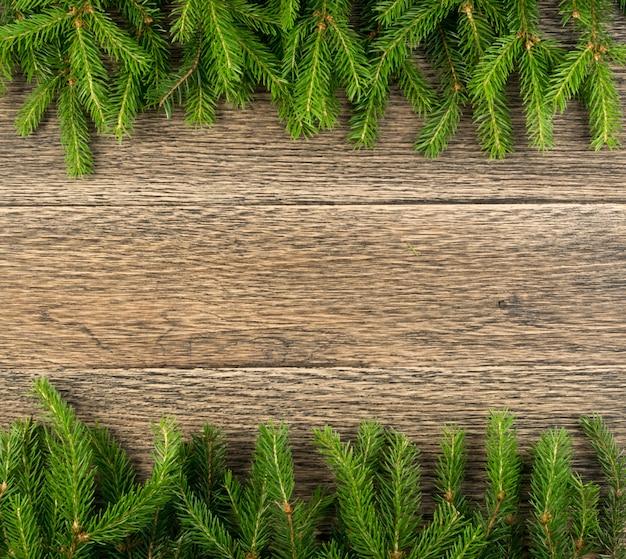 Fondo de navidad con ramas de abeto