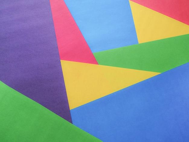 Fondo de papel colorido abstracto en forma de triángulos