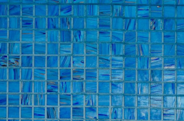 Fondo de pared de mosaico en color azul
