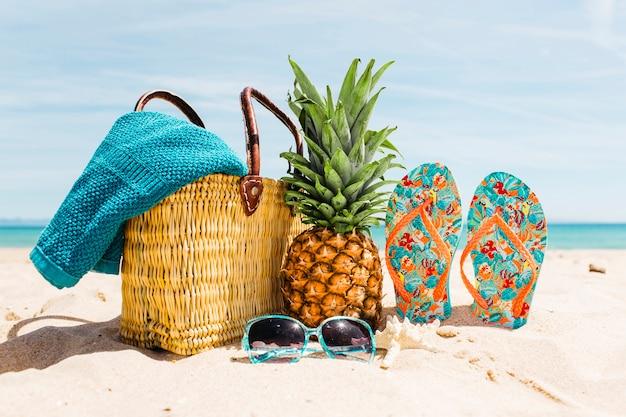 Fondo de playa con elementos de playa